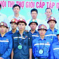 Than Quang Hanh chuyển mình sau 15 năm thành lập.